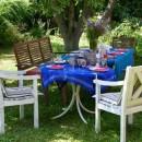 021 Toskanische Gefuehle, Essen unter Bäumen